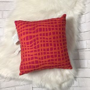 DKNY Accents - Accent pillow